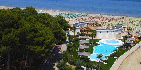 Beach Village Hotel Astor***