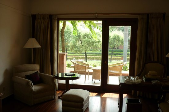 Jaypee Palace Hotel & Convention Centre Agra: View of garden from room