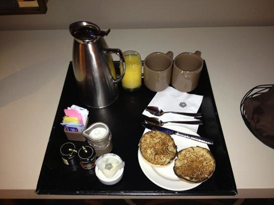 Omni Dallas Hotel: complimentary breakfast beverages