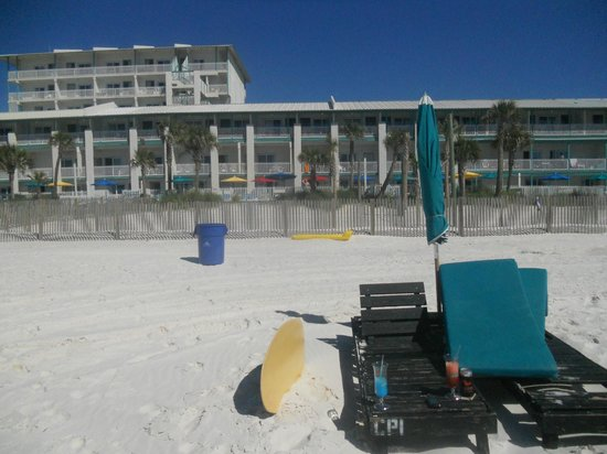 The Sandpiper Beacon Beach Resort: The hotel from the water