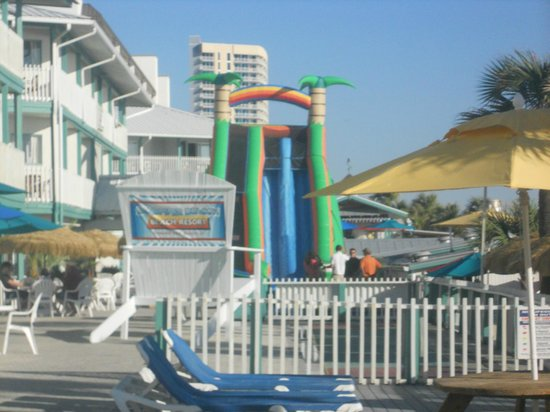 Sandpiper Beacon Beach Resort: Big Slide on deck