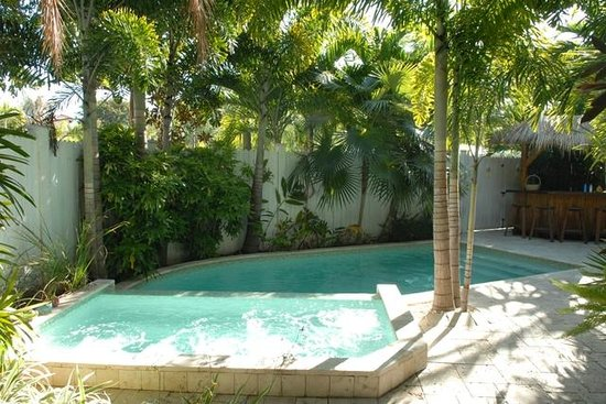 Pineapple Point Guest House and Resort : Grand Villa Pool Area