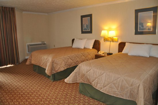 Days Inn Harrodsburg: Standard Double Beds