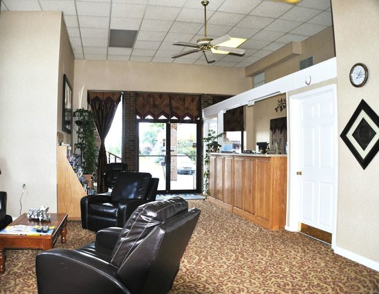 Days Inn Harrodsburg: Front Lobby
