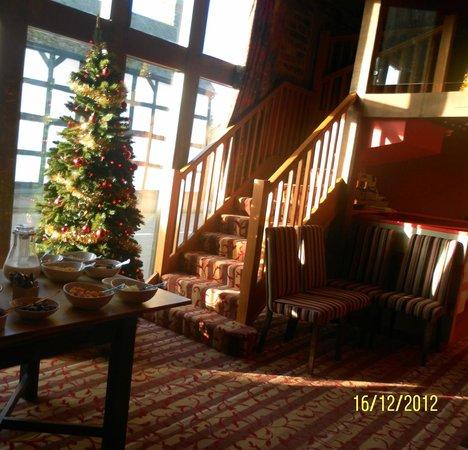 The Corners Inn: Festive!