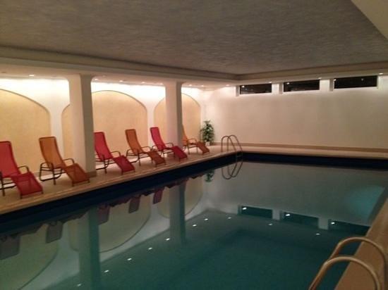 Hotel Cristallo : piscina e centro benessere
