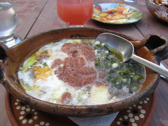 El Tabano: Mexican baked eggs with crema, cheese, beans, and chile...wonderful