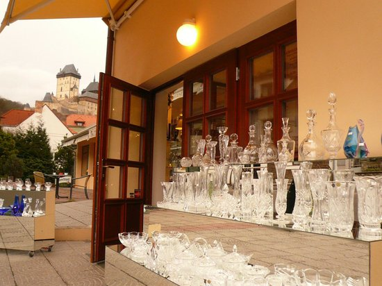 Pension Bellevue: trade with Czech glass