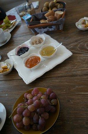 La Villa Chaleemar : Breakfast!