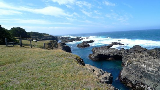 Glendeven Inn Mendocino : a short walk from the Glendeven