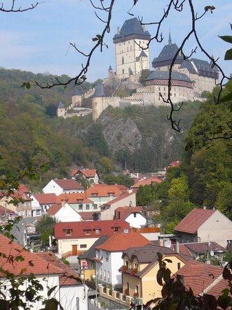 Pension Bellevue: Karlstejn castle