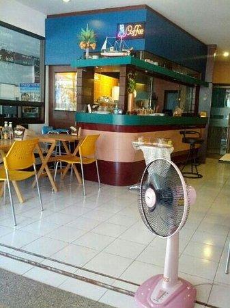 K.L. House AoNang : breakfast area