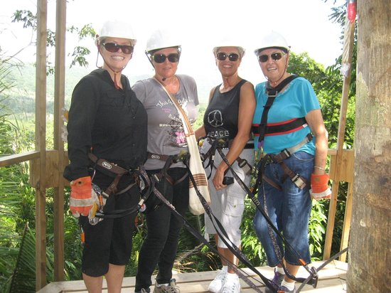 Caribbean Shores Bed & Breakfast: The best zip line in Belize!