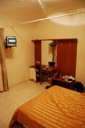 Hotel Villa Accini: your 350 dollar TV