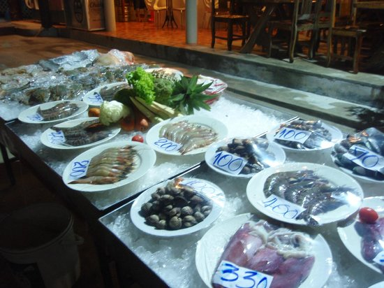 Chang Cliff Resort: Seafood selection in the restaurant - worth trying!