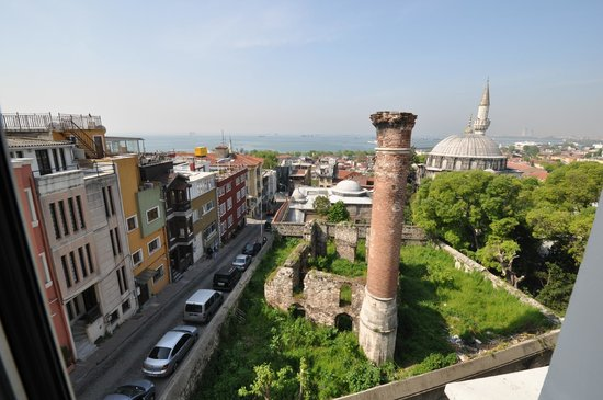 View from room 401, Daphne Hotel, Sultanahmet, Istanbul, May 2012