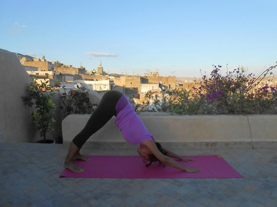 Dar Attajalli: Yoga on the terrasse