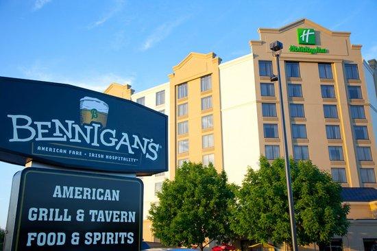 Bennigan's Elgin