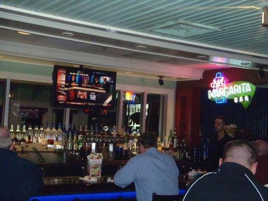 Chili's Grill & Bar -S. Semoran Blvd: The cozy yet 'fun' bar at Chilis