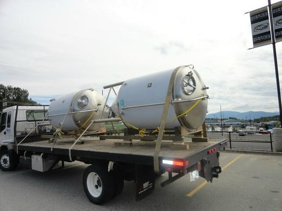 Mission Springs Brewpub & Restaurant: Unitanks arrival to the brewery