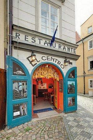 El Centro: Main door