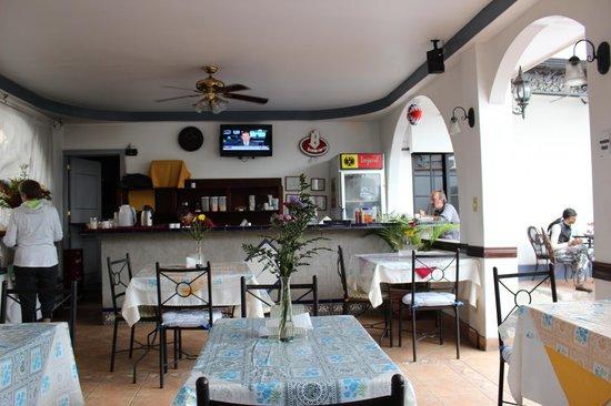 Hotel Santo Tomas: Breakfast