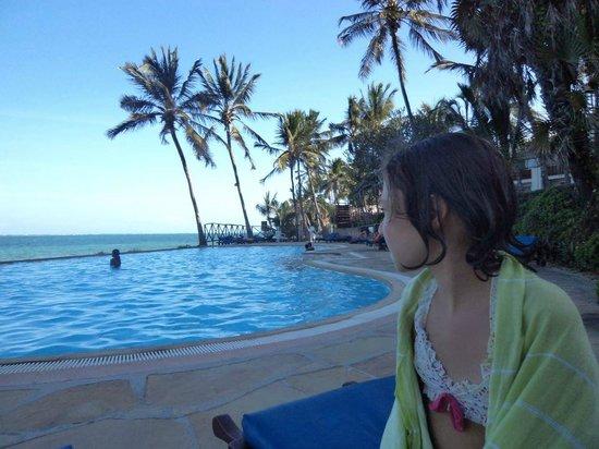 Voyager Beach Resort: Kızım Emine burayı çok sevdi 2013 de gene gideceğiz.insanları bize çok kibar davrandı .Marta ve