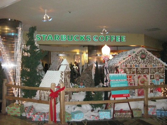 Grand Sierra Resort and Casino: Starbucks Near Front Desk Area