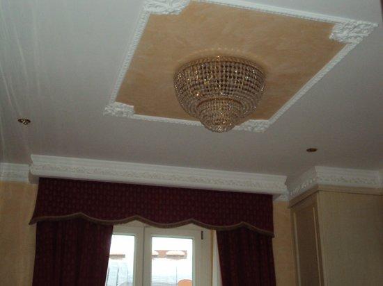 Al Viminale Hill Inn & Hotel: Soffitto camera 306 