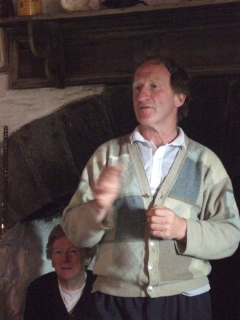 Hennigan's Heritage Centre : Tom in full flow entertaining us with stories of his upbringing