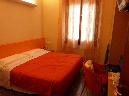 Accasa & Accanto Al Centro: Bedroom