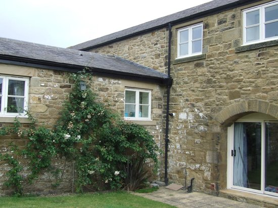 Burradon Farm Houses and Cottages: Courtyard