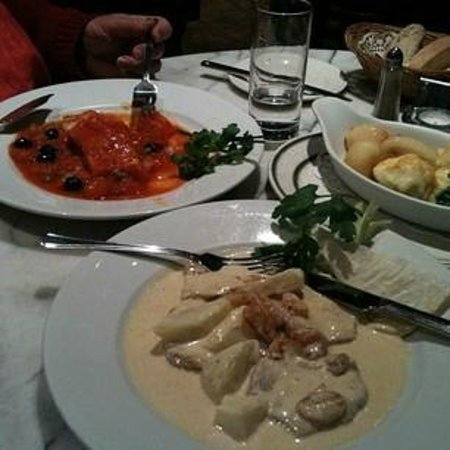 Mamma Mia: Baked pasta and veal tenderloins