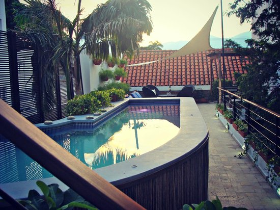 Casa de Isabella - a Kali Hotel: Sunrise by the pool