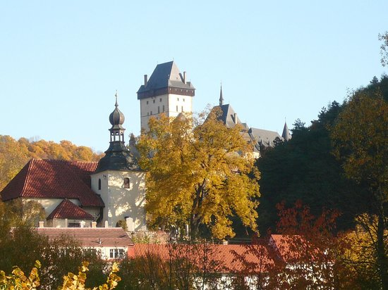 Pension Bellevue : Karlstejn autumn