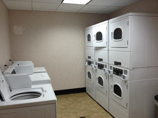 Residence Inn Helena: Laundry Room