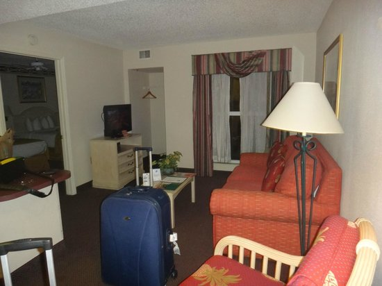 Quality Suites Lake Buena Vista: sala