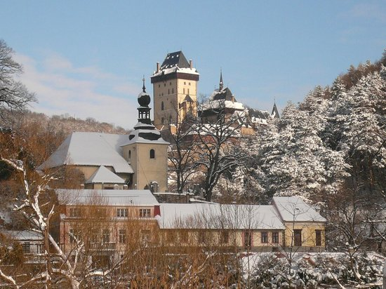 Pension Bellevue : Karlstejn winter