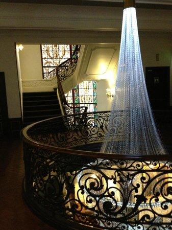 Hotel Infante Sagres: corredor andar superior