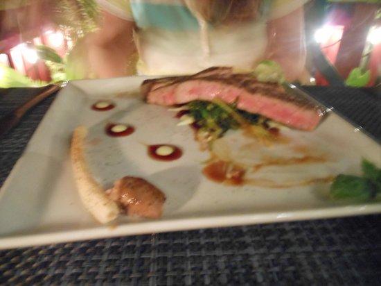 Restaurant Eden: Yellowfin Tuna Steak.