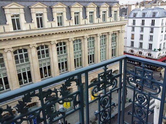 Ibis Styles Hôtel Paris Gare du Nord TGV: From our balcony on the 6th Floor
