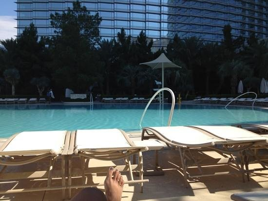 ARIA Resort & Casino: Pool during early morning
