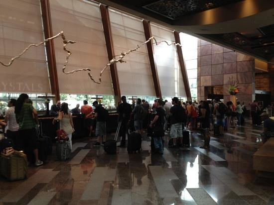 ARIA Resort & Casino: Busy registration desk