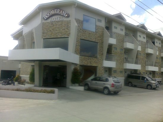 Boomerang Hotel : This is the entry to the hotel