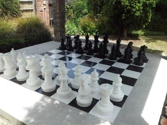 Dodson Street Beer Garden : Anyone for Chess?