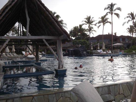 Four Seasons Resort Hualalai: Pool and hot tub
