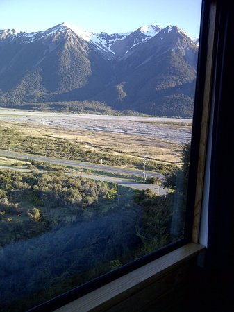Arthur's Pass Eco Lodge: View from my bed