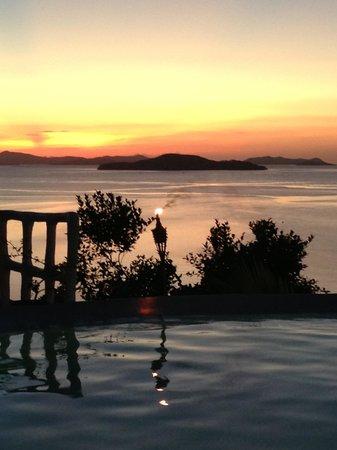 AL FARO Cosmio Hotel Palawan: Sunset