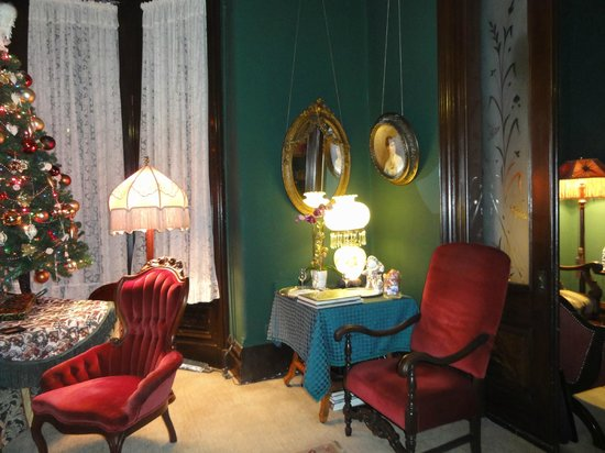 The Inn San Francisco : My favor corner of the parlor 2