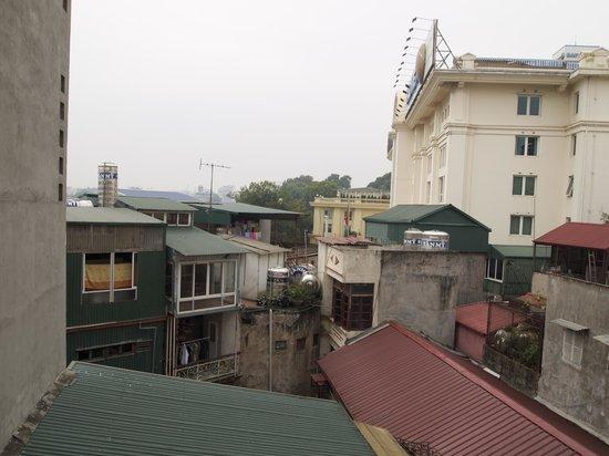 هانوي أولد سنتر هوتل: вид из окна 